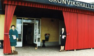 """Skönvikshallen entré """"Qvinnomässan"""""""